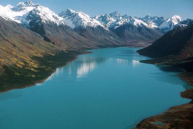 Top 3 hồ nước có vẻ đẹp ngoạn mục nhất nước Mỹ