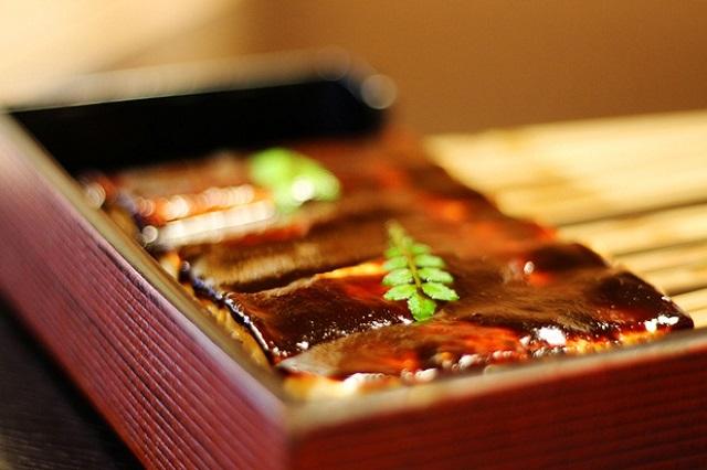 Đậu hũ non sốt miso là món ăn đường phố cực kỳ hút khách ở Nagoya