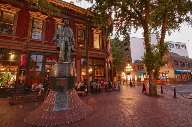 Gastown – Khu phố lịch sử, văn hoá và nghệ thuật nổi tiếng của Vancouver