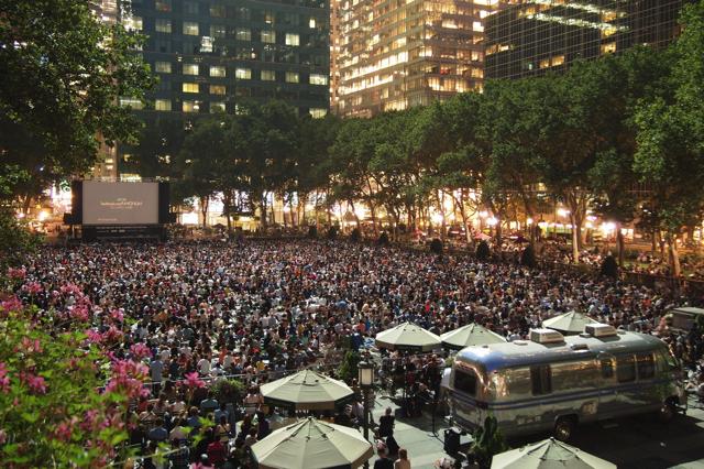 Liên hoan phim mùa hè HBO Bryant Park thường thu hút sự chú ý của rất nhiều du khách cũng như người dân địa phương