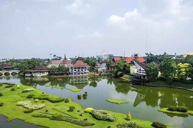 Không gian xanh ở Taman Mini Indonesia Indah