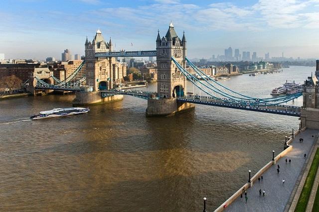Sông Thames là một trong những biểu tượng quan trọng London nói riêng và nước Anh nói chung